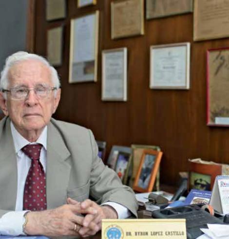 Dr. Byron Segundo López Castillo
