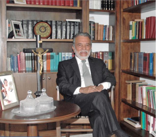 Dr. Nicolás Castro Patiño